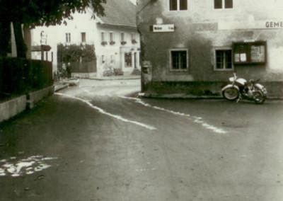Geschichte_Gemeindeamt_Moped