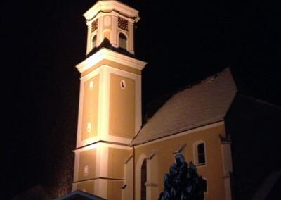Pfarrkirche Rottenbach bei Nacht